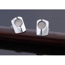 Nowoczesne srebrne kolczyki z szarym kocim okiem BN45